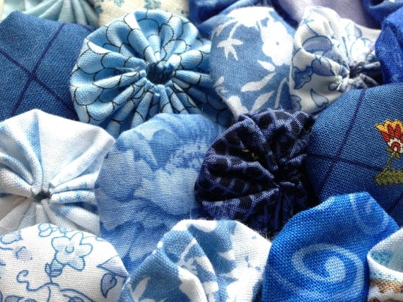 fabric yoyo flower in Blue, 25 pieces, for Scrapbook Embellishment, clothing appliqué quilt card making hair accessory