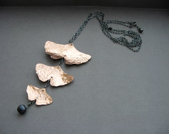 Long Cascading ginkgo pendant necklace with pearl in copper and black gunmetal