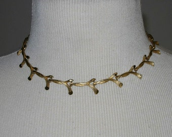 Vintage Kramer Gold Tone Necklace
