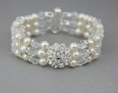 Wedding Cuff Bracelet , Wedding Crystals and Pearls Bracelet , Swarovski Bracelet, Wedding Jewelry
