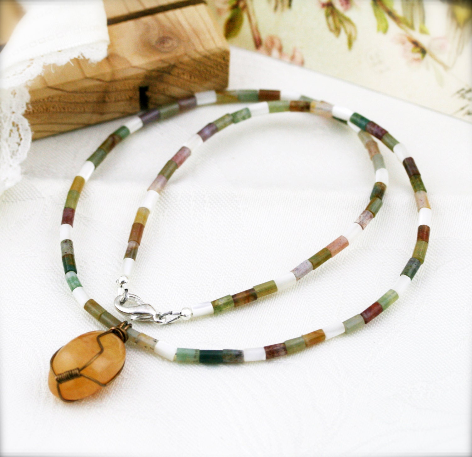 how to make a wired netted stone necklace