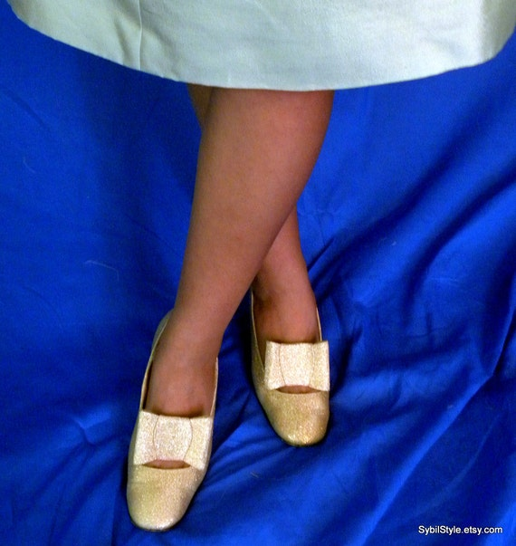 Mod 1960s  High Heels Gold Lame   Size 6