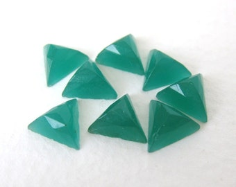 Vintage Cabochon Jade Green Glass Triangle Faceted 8mm gcb0819 (8)
