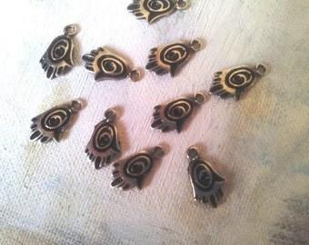 LOT 10 Hamsa charm jewelry good luck Jewish pendant pewter 1.7 cm evil eye antique silver plating