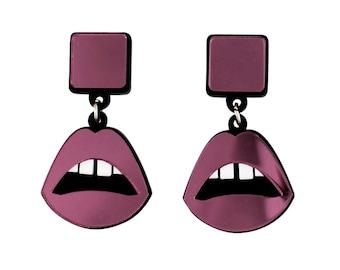 Lips drop earrings in pink perspex mirror