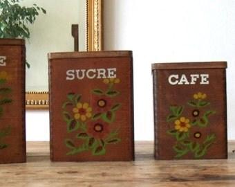 ensemble de quatre boite gigogne en bois farine sucre caf sel. Black Bedroom Furniture Sets. Home Design Ideas