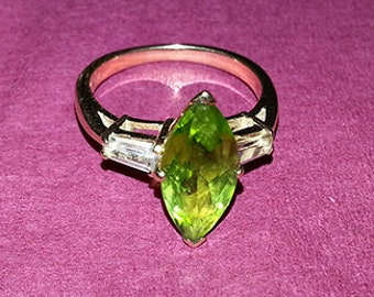 Vintage 40's 50's 14K gold peridot ring 6