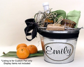 Personalized Gift Bucket, Custom Metal Pail, Bridesmaid Gift, Housewarming Gift - Medium Size (3qt)