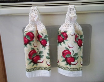 Towel -Kitchen Towel with Crochet Towel Topper - Apples as Pattern