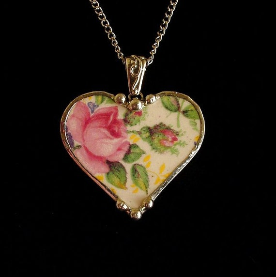 Broken china jewelry heart pendant necklace antique James Kent Rosalyne chintz