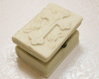 Bible Trinket Box Cream Porcelain Holy Cross Confirmation Vintage Ring