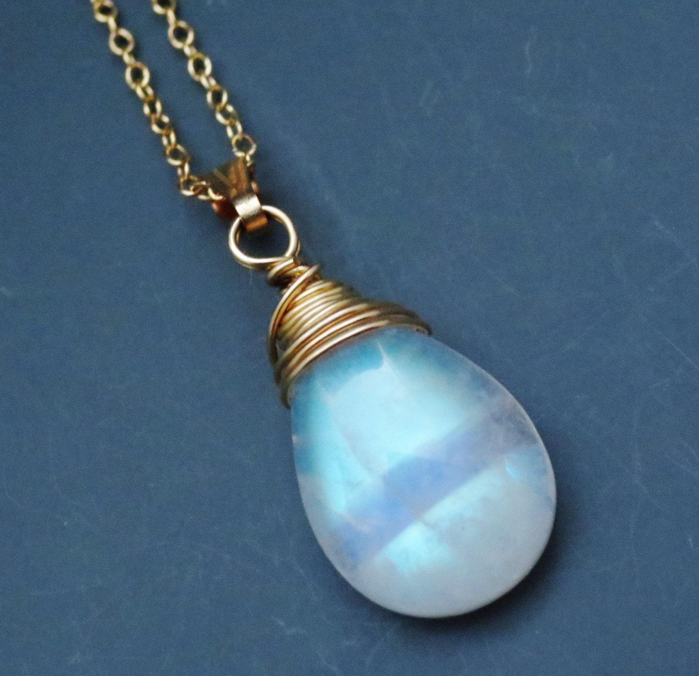 Moonstone Necklaces: Petite Rainbow Moonstone Gemstone Goldfilled Pendant Necklace