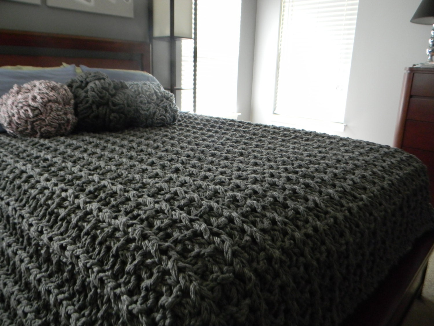 Knitting Patterns For Bed Throws : 96x84 Giant Super Chunky Knit Blanket Queen