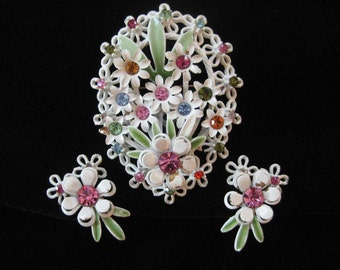 Cream Enamel Brooch and Earring Demi, Spring Green and Pastel Rhinestones