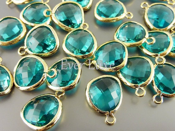 5031G-SG (2 pcs) Sea Green / Gold Faceted Glass pendants