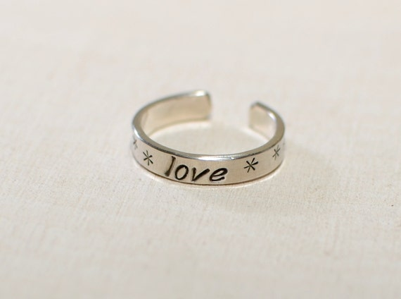 Toe ring in sterling silver with love