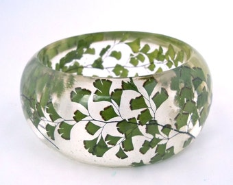 Fern Resin Bangle.  Green Bangle Bracelet.  Pressed Flower Bangle - Maidenhair Fern.  Real Flowers. Handmade Resin Jewelry. Anniversary Gift