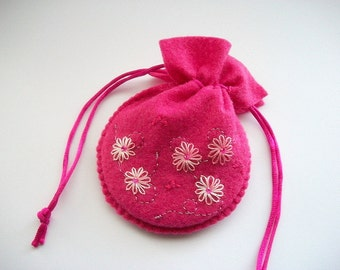 Felt Pouch Gift Bag Compact Powder Pouch with Hand Embroidered Flowers Handsewn