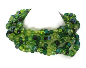 Green Beaded Bracelet, Graduation Gifts, One of a Kind, Gifts for Women Mom Wife Sister Daughter Grandma Teacher Under 25, Stocking Stuffers