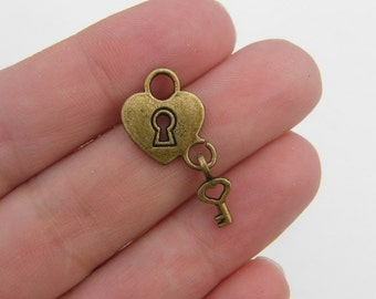 8 Heart lock and key charms antique bronze tone BC98
