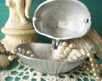 Cast Iron Clam Shell Jewelry Holder Painted  in Silver