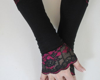 Elegant Gothic  Black/Magenta Lace Armwarmers Gloves, Romantic Mittens, Baroque, Victorian Lace Armwarmers, Gypsy