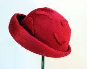 Vintage Schiaparelli Hat / Red Elsa Shiaparelli Hat