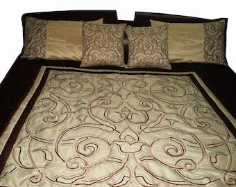 mughal design inspired embroidered duvet set