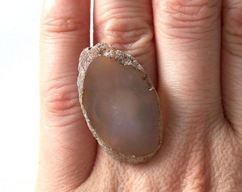 simple agate statement ring bohemian boho fashion jewelry cocktail ring adjustable milky gray brown neutral stone natural rock