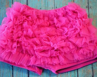 SALE-----Girls Ruffle Shorties- Hot Pink- size Large- 3-4 years
