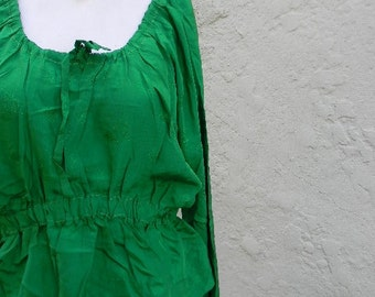 vintage.  60s Emerald Green Silk Blouse  // S to L