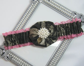 Hot Pink Toss Mossy Oak CAMOUFLAGE wedding garter Camo garters