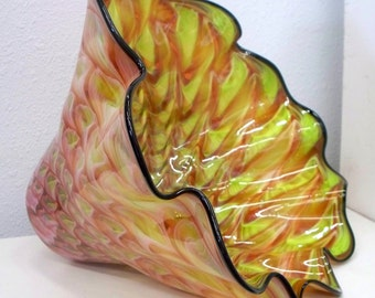 Hand Blown Glass Art  Patterned Bowl 2232