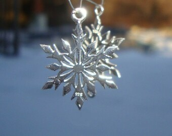 925 Sterling Silver, Delicate SnowFlakes Pendant Charm - sale - 5% off 4 pcs, 25x16mm, - SF-0002
