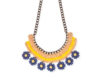 Blue Daisy Resin Flower Necklace