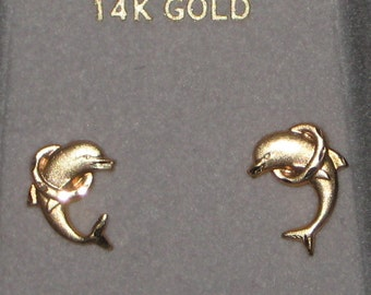 Swim With The Dolphins Great 14K Yellow Gold Pierced Earrings