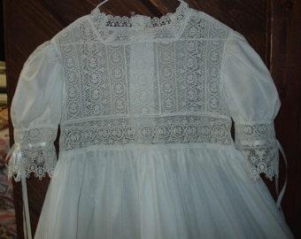 SALE Heirloom dress size 6 white/off white Guipere lace wedding beach wedding portrait pageant communion confirmation graduation size 6