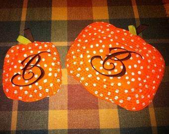 Embroidered pumpkin mug rug