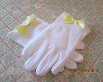 Girls Cotton Gloves - White Gloves - Easter Gloves - Church Gloves - Flower Girl Gloves