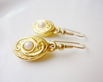 pearls dangles earrings gold tone drops shaped pierced jewelry