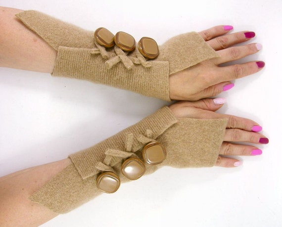 recycled wool fingerless gloves arm warmers fingerless mittens wrists warmers arm cuffs beige camel eco friendly fashion tagt team teamt