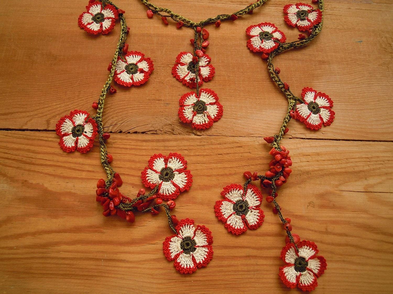 flower necklace lariat red white crochet