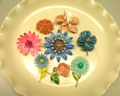 Lot of 8 Vintage Enamel Flower Flower Pinks Brooches