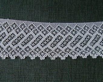 Antique Crocheted Wide Lace Trim Vintage Ecru