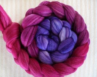 "Hand Dyed Merino/SW Merino/Tussah Silk 4 oz ""Mauve Boudoir Gradient"""