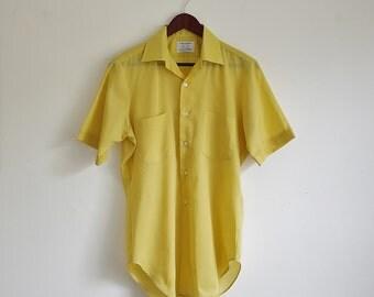 Vintage Mens Shirt, Yellow Shirt, Short Sleeve Shirt, Button Down Mens Shirt, Collared Shirt, Chest 43 XL