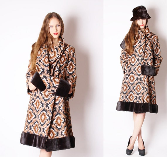 Vintage Coat / Tapestry Coat / Russian Princess / Brown / Tapestry / 1960s  Coat / Winter Fashion / Mod / Demask /  1365