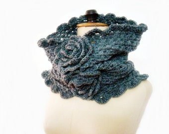 Crochet PATTERN Cowl, Neckwarmer Crochet Pattern, Snood with Flowers Pattern