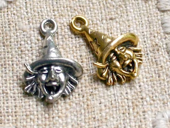 Halloween Witch Charm Antiqued Pewter Fall Holiday 24x14mm 1-sided