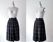 1950's black skirt. plaid skirt. 50 wool skirt. xs. cream white skirt. pleated. 50's rockabilly skirt.